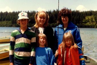 fishing-81-mom-and-kids-cro.jpg