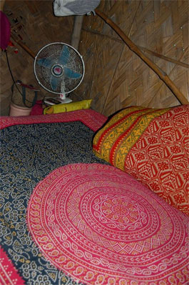 poverty in Calcutta home and table fan