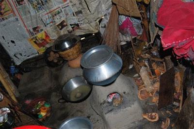 oven in poor Calcutta home