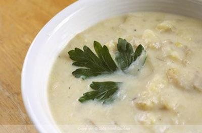 Potato-Leek-Soup-bowl-Nikki