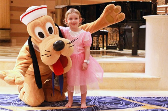 Disney Dream - Good-Night Hug from Pluto