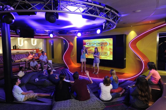 Disney Dream Teen Club - Vibe (Interior)