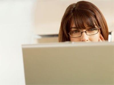 working-woman-laptop
