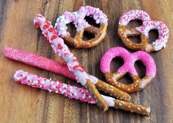 valentine's day dipped pretzel twists rods