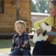 "Pampers & Singer Jewel Celebrate ""Millions of Beautiful Morning Moments"""