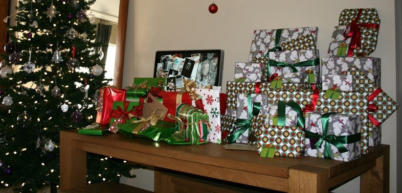 Christmas Gifts Under the Tree - 5 Minutes for Mom