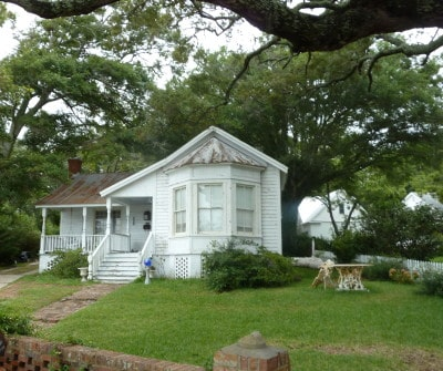 Alex's House on the set of Safe Haven