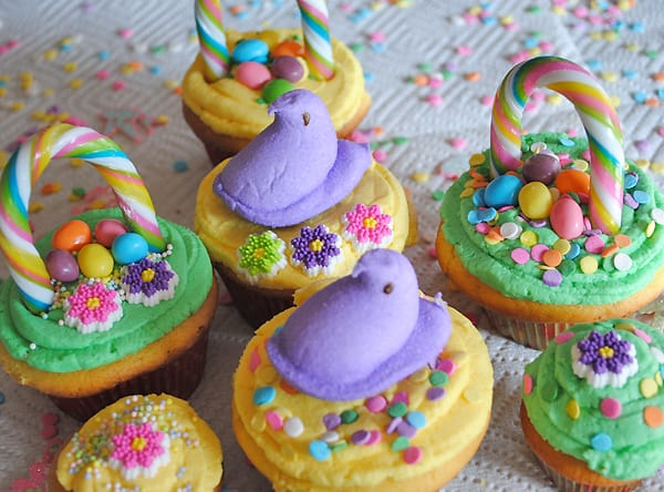 How to make easter basket cupcakes 5 minutes for mom before you know it youll have a colorful array of both spring themed and easter basket cupcakes so fun negle Images