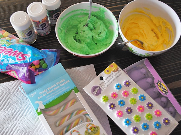 How to make easter basket cupcakes 5 minutes for mom how to make easter basket cupcakes negle Images