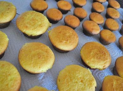 Lemon-Cupcakes-ready-to-decorate