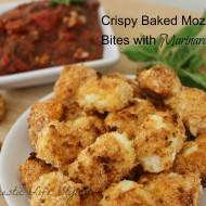 Crispy Baked Mozzarella Bites with Marinara Sauce