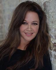 Sue Bryce Headshot