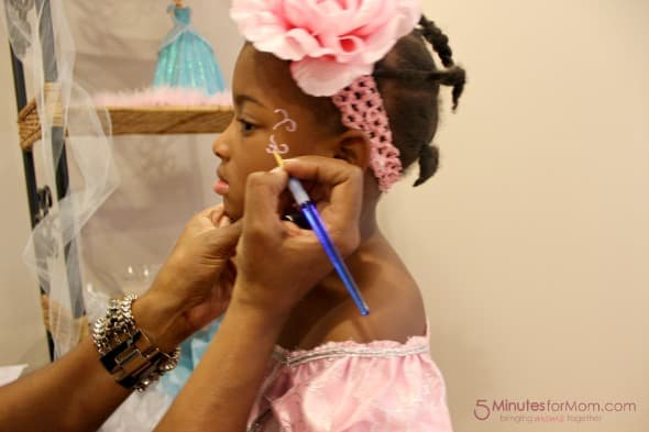 child's face painting