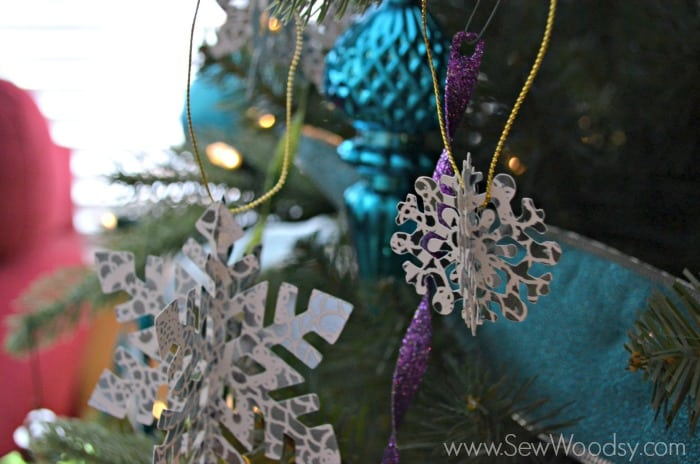5Die-Cut-Snow-Flake-Ornament-9