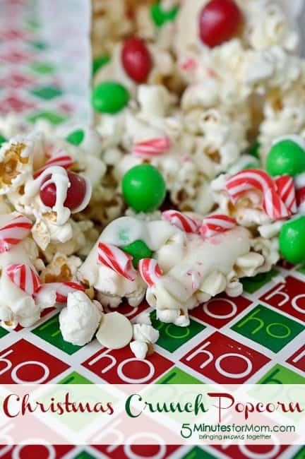 Christmas Crunch Popcorn - 5 Minutes for Mom