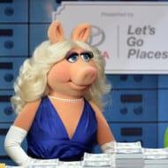 Epic Interview With Kermit, Miss Piggy and Constantine #MuppetsMostWantedEvent