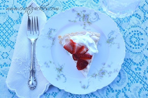 *Pavlova-Recipe-a-light-and-delicious-dessert-that-is-super-easy-to-make