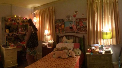 The Middle Set - Sues Room