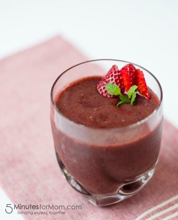 berry-healthy-smoothie-ninja-ultima-blender