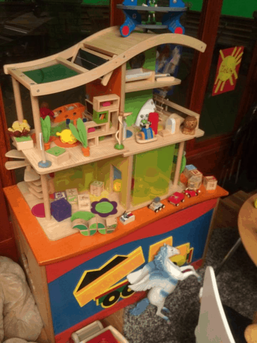 Derek and Merediths Living Room Dollhouse - #ABCTVEVENT