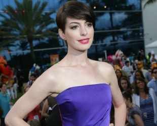 Anne Hathaway, #Rio2 Stars Share How To Unplug