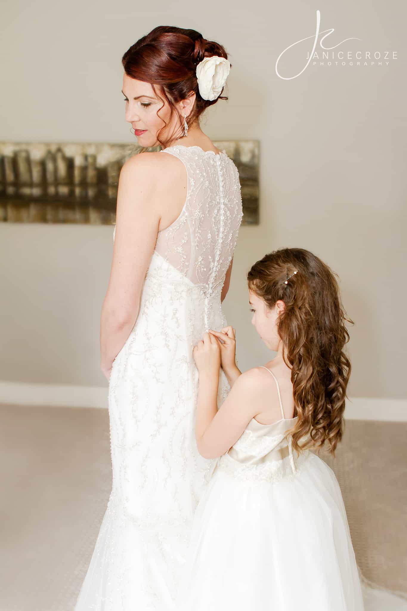 bride-flower-girl-photography-poses