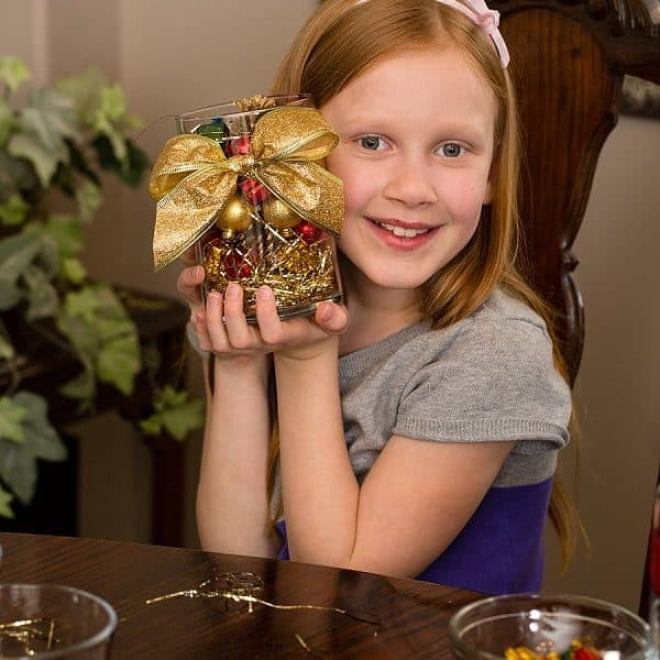 A Holiday Centerpiece Kids Can Make