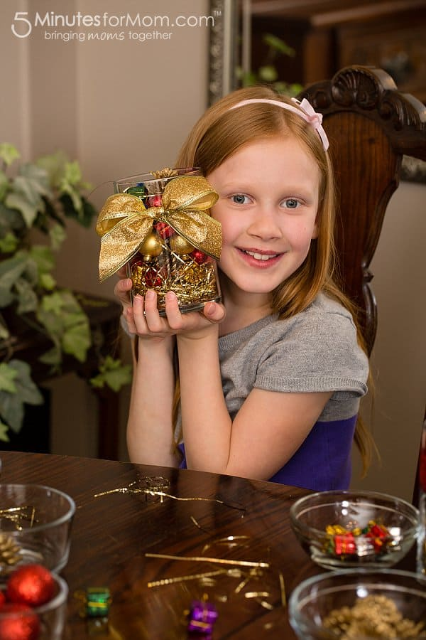 A holiday centerpiece kids can make christmas craft for kids - Centerpieces kids can make ...