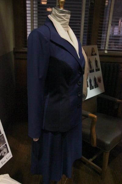 Agent-Carter-Wardrobe-Peggy-navy-suit