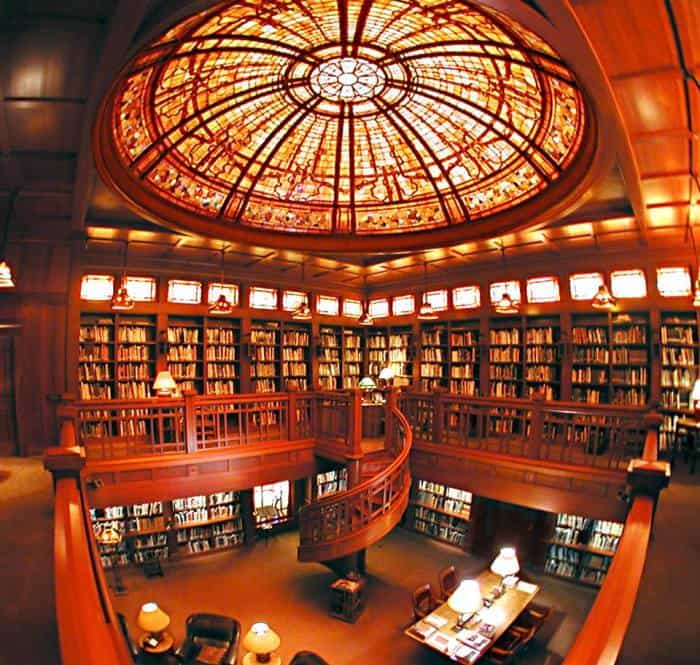 Library-inside-the-Main-House-at-Skywalker-Ranch-c-Lucasfilm-Ltd.-All-Rights-Reserved-700x665