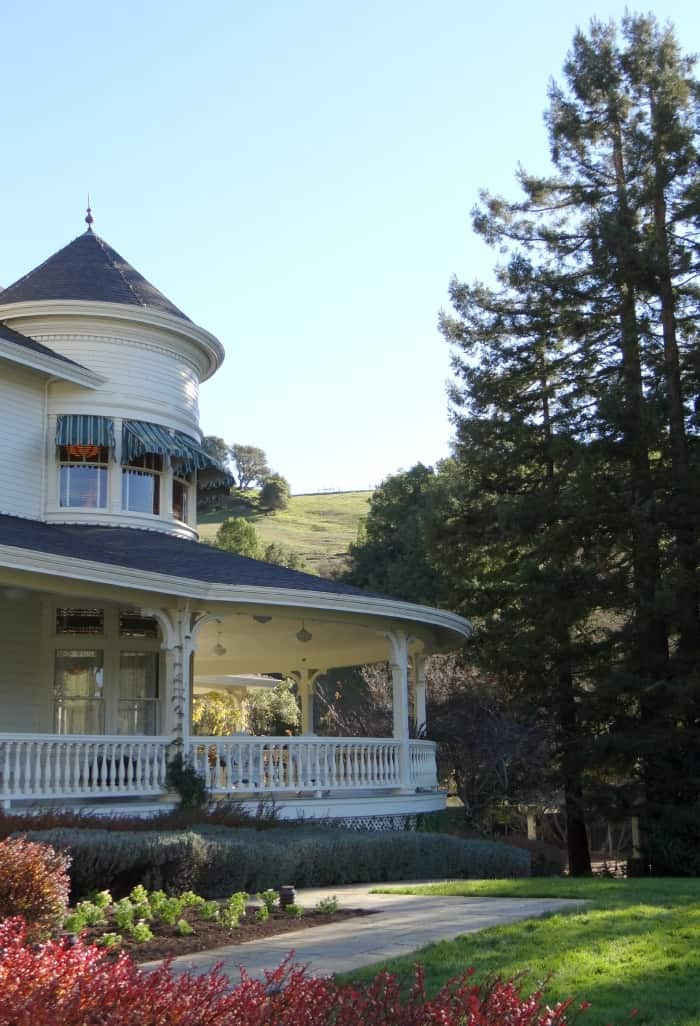 Skywalker-Ranch_Main-House_Exterior-with-Tree-700x1026