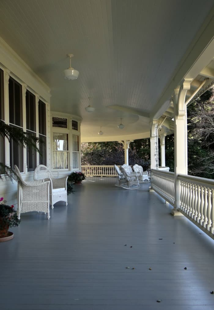 Skywalker-Ranch_Main-House_Porch-with-Chairs-700x1014