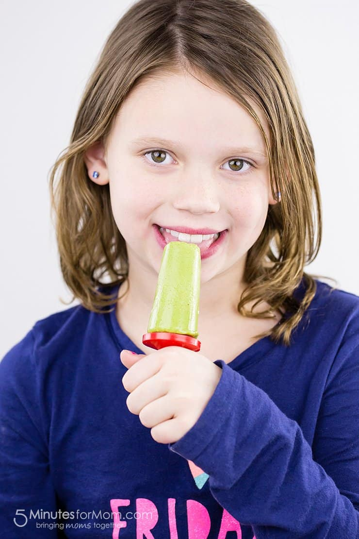 green smoothie popsicle