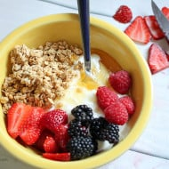 Delicious and Healthy Breakfast Bowl with Chobani Greek Yogurt #MadeWithChobani