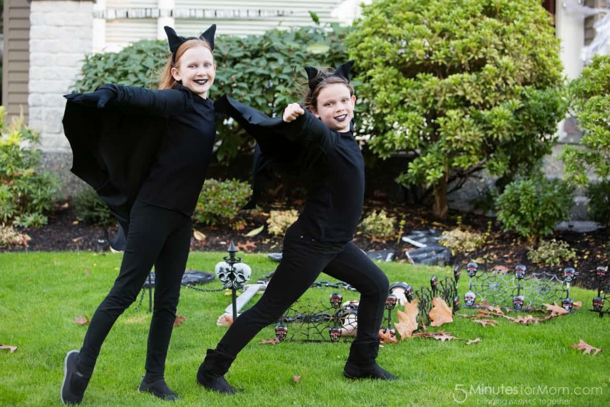 Halloween 2015 Julia and Olivia