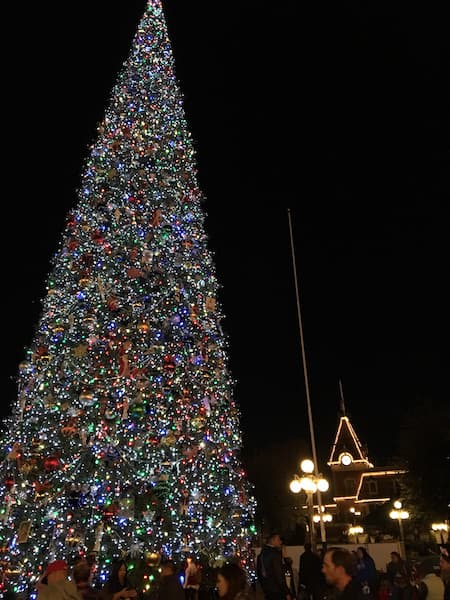 Disneyland - Christmas Tree - #StarWarsEvent