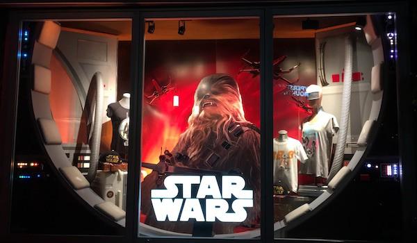 Disneyland - Star Trader Window - #StarWarsEvent
