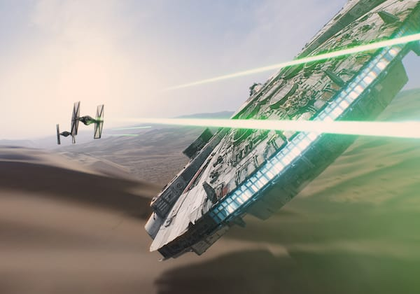 Star-Wars-The-Force-Awakens-Trailer-Millennium-Falcon