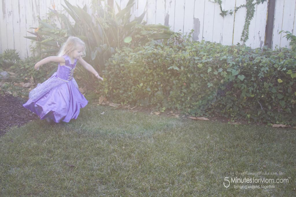 Gifts that Encourage Pretend Play