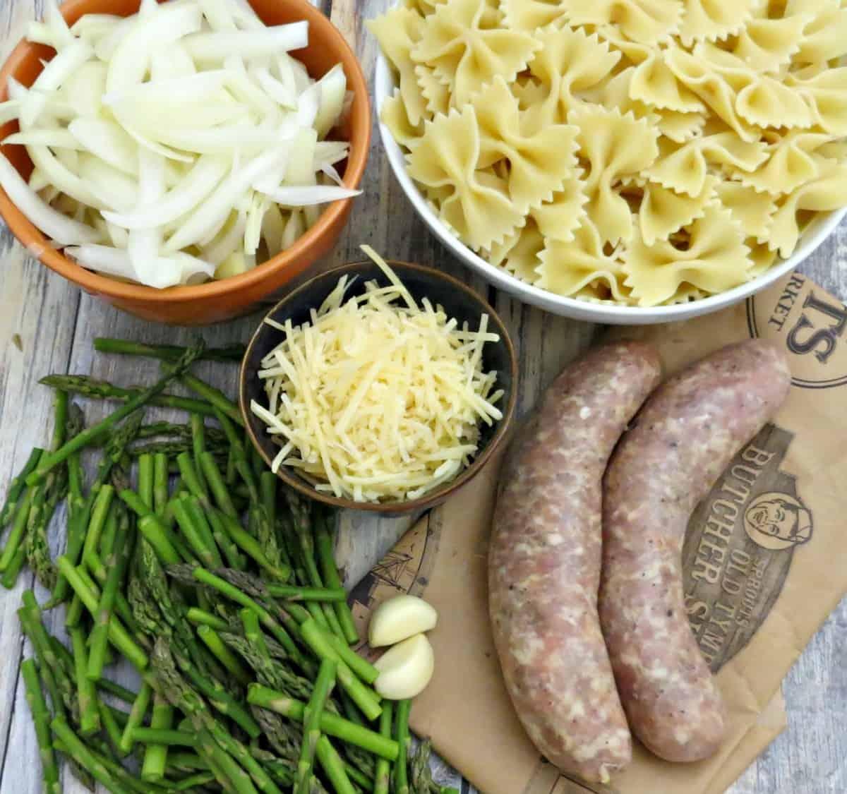 Bowtie Pasta with Chicken Italian Sausage - Ingredients