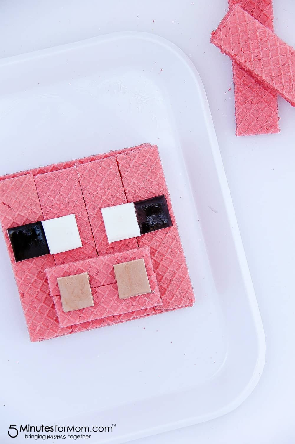 Minecraft Pig Treats using strawberry Voortman wafers