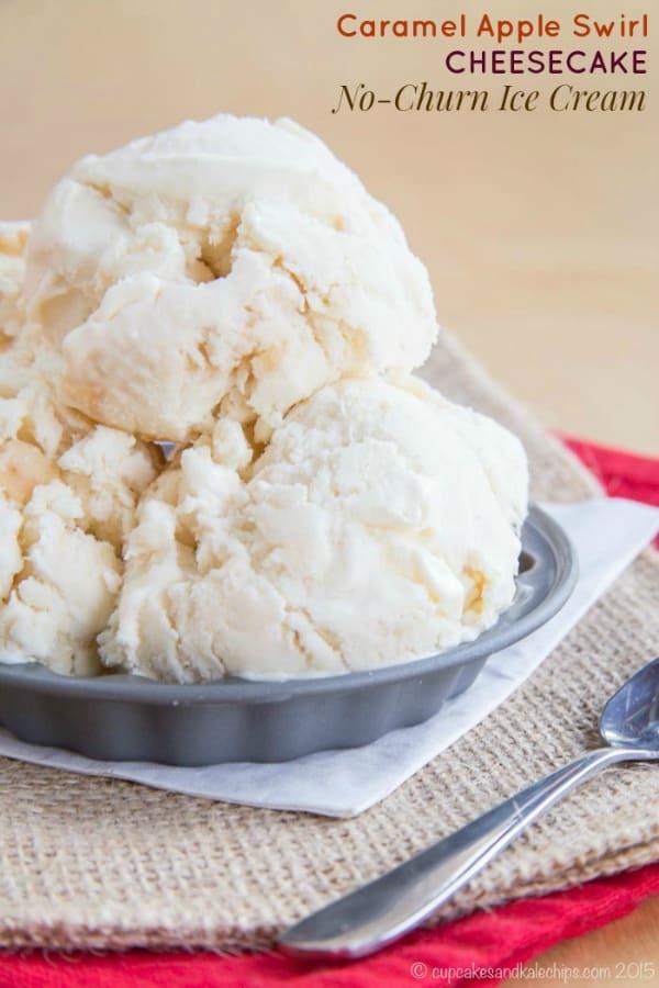 Apple cheesecake no churn ice-cream