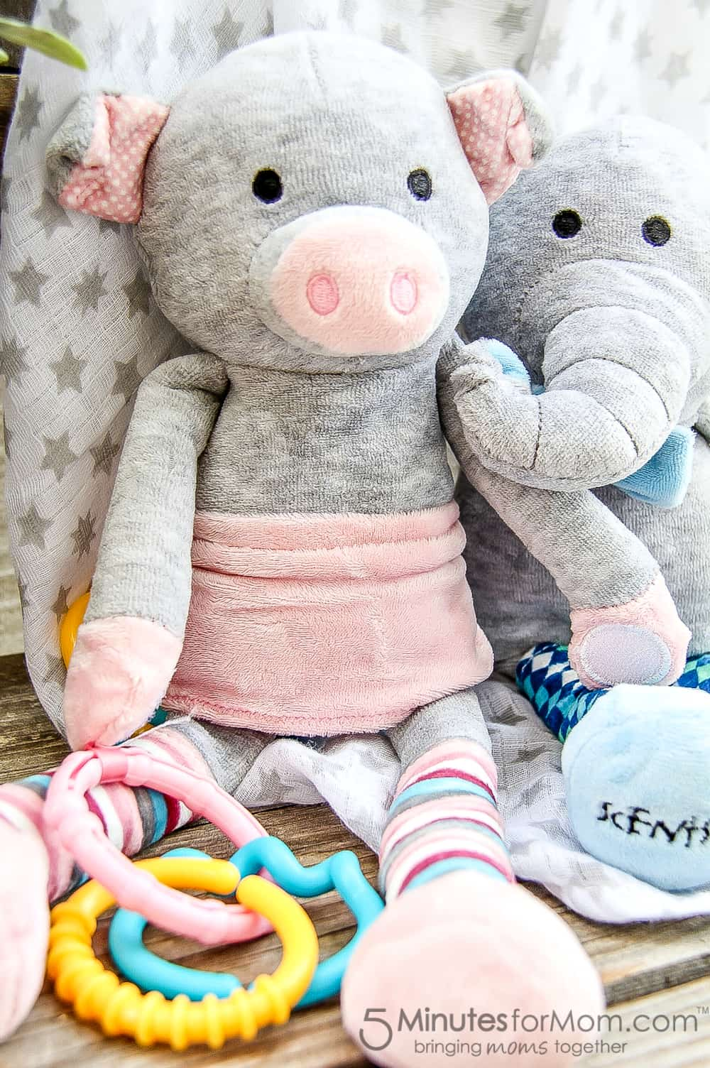 pippy-the-pig-and-eddy-the-elephant-are-the-new-scentsy-sidekicks-and-make-perfect-baby-shower-gifts