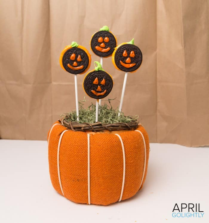 oreo-pumpkin-lollipops-from-april-golightly