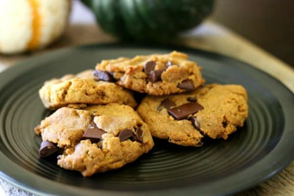 pumpkin-spice-chocolate-chip-cookies-from-food-allergy-eats