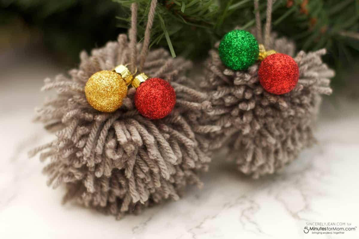 diy pom pom ornament tutorial easy christmas craft. Black Bedroom Furniture Sets. Home Design Ideas