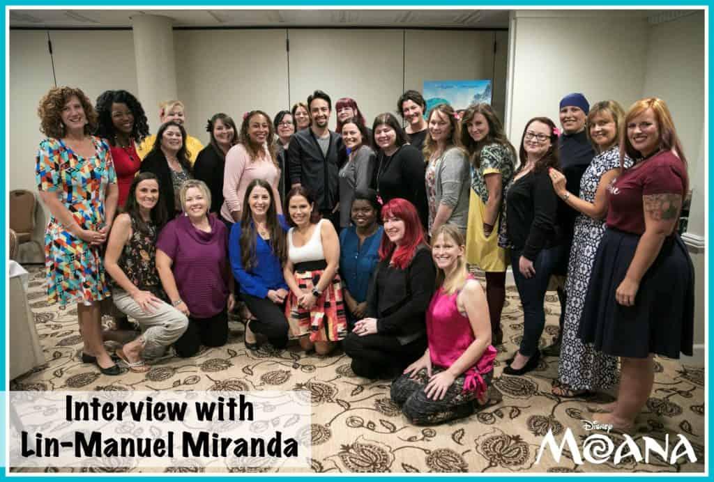 Blogger Group photo with Lin-Manuel Miranda