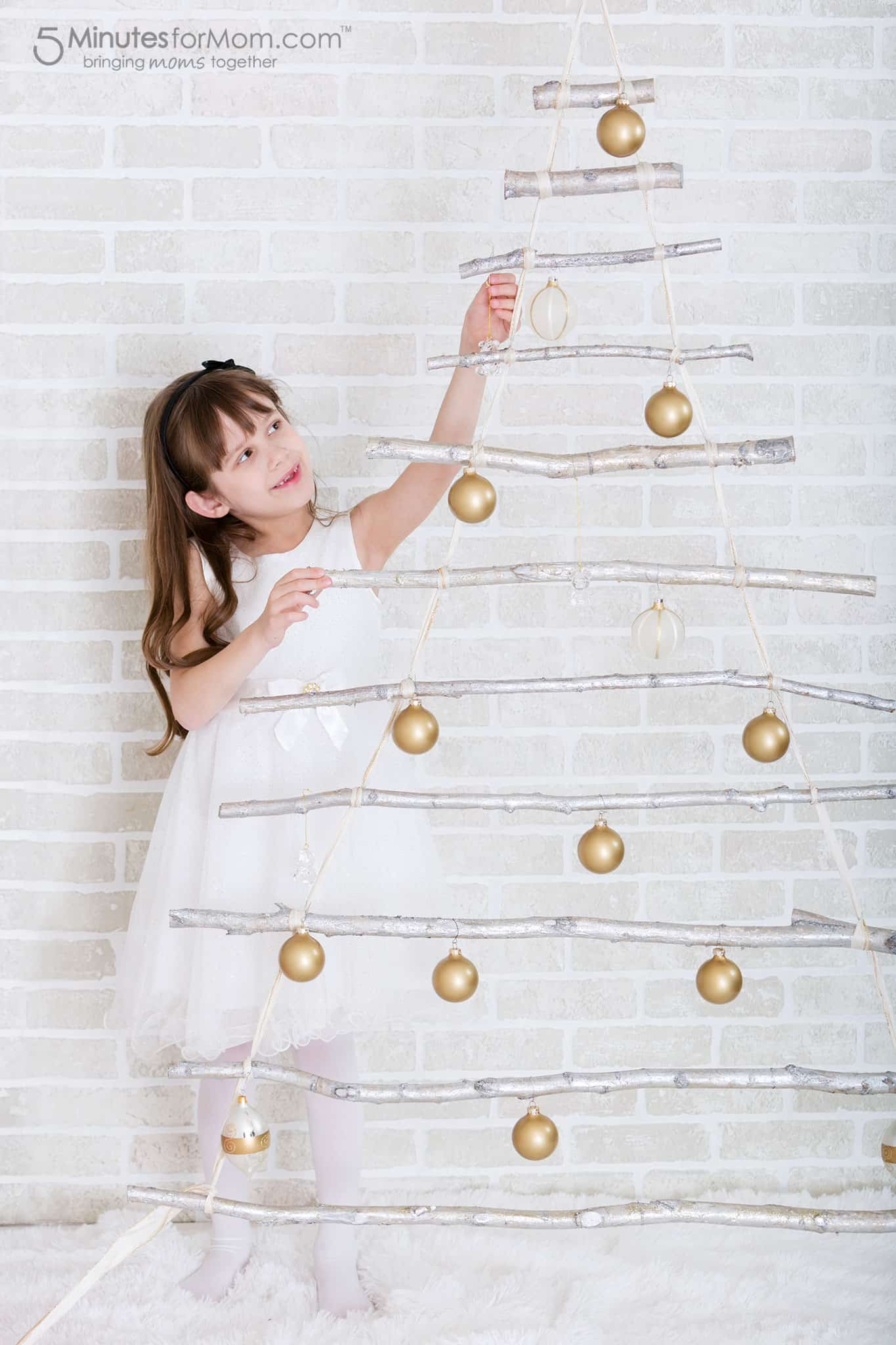 Christmas Photography Set Ideas - Alternative Christmas Tree Ideas