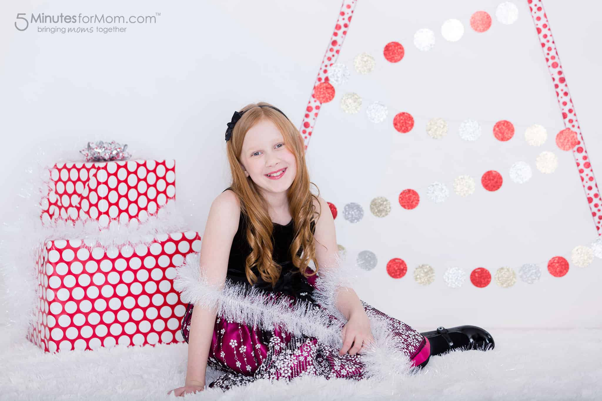julia-ribbon-christmas-tree