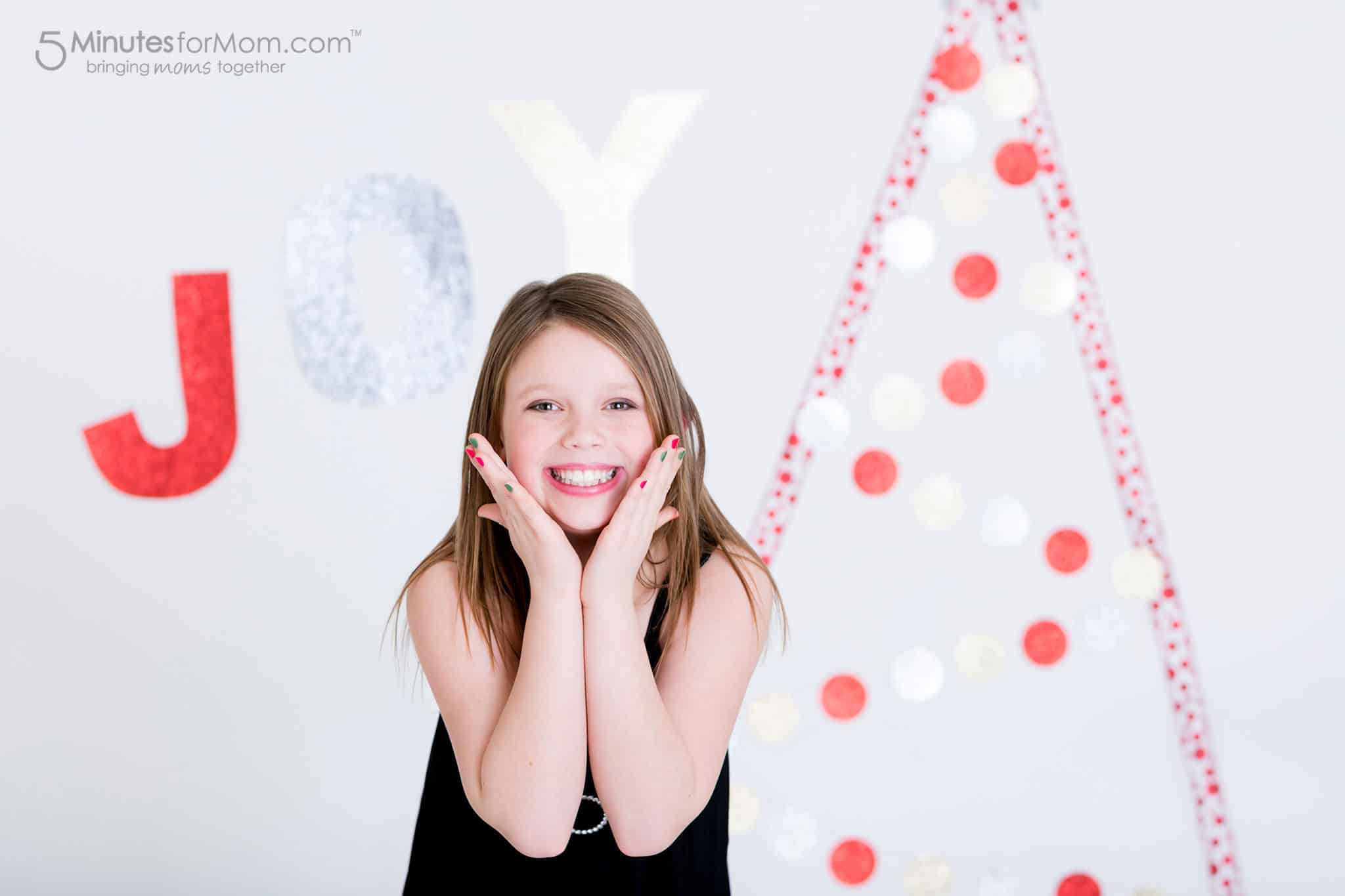olivia-ribbon-christmas-tree
